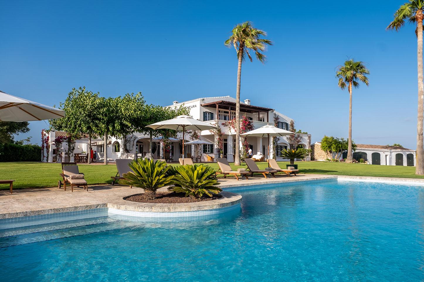 Villa de luxe ultra à louer à Minorque. Les invités passés incluent Michelle Obama.
